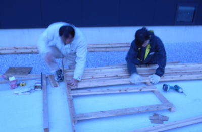 080321making fence.jpg